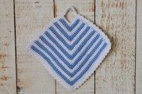 ドイツ・手編みの鍋つかみ/水色×白