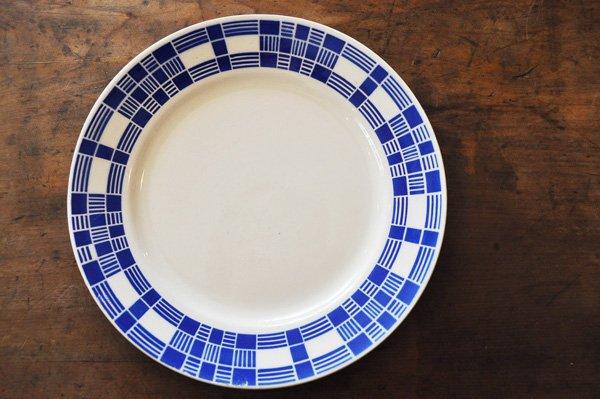 画像1: フランス・バドンヴィレー ステンシル青スクエア模様/平皿22.5cm