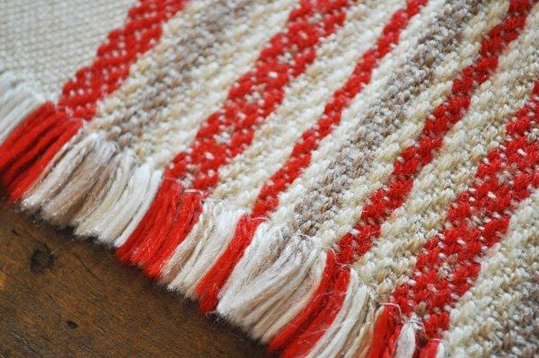 画像4: ドイツ・ヴィンテージ 織り柄模様のテーブルマット/アイボリー×朱赤