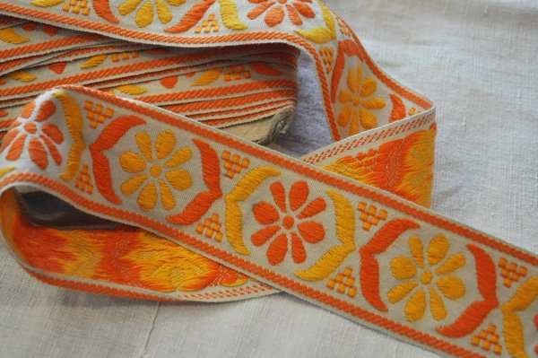 画像2: ベルギー・ヴィンテージ 刺繍トリムリボン/幅広/オレンジ花