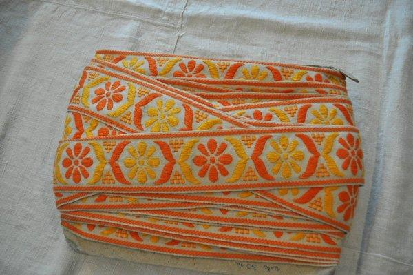 画像1: ベルギー・ヴィンテージ 刺繍トリムリボン/幅広/オレンジ花