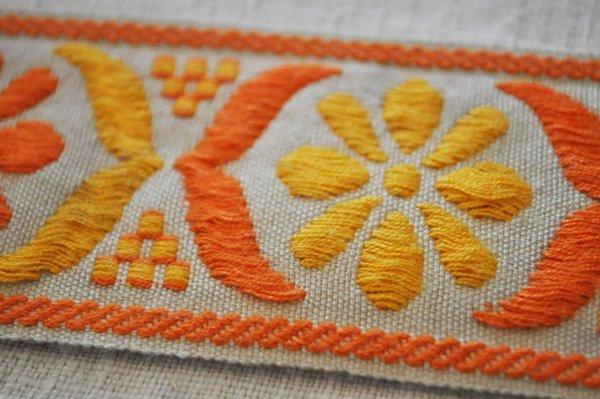画像3: ベルギー・ヴィンテージ 刺繍トリムリボン/幅広/オレンジ花