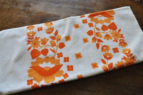 画像1: ドイツ・東ドイツ ヴィンテージ デッドストックタオル/VEB/白×オレンジ花