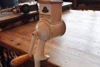 ドイツ・アンティーク チーズグレーター/ドラム回転式/ホワイト